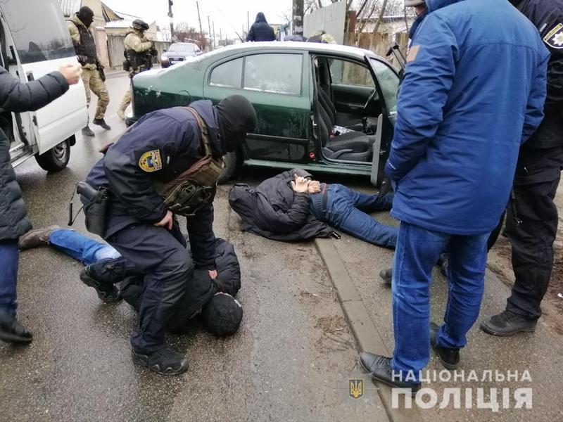 Поліцейські затримали трьох з п\'яти зловмисників
