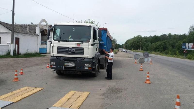 Обмеження руху вантажівок діє до тих пір, поки температура повітря перевищує 28 градусів