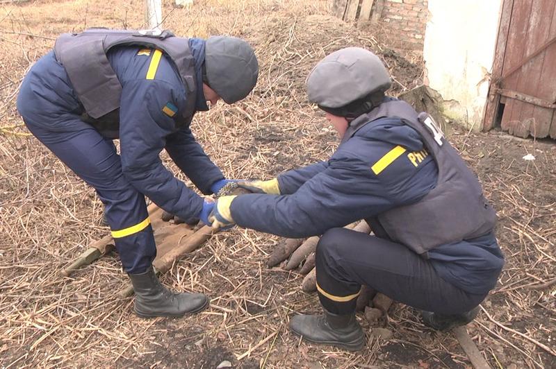 Арсенал вибухонебезпечних предметів було виявлено під час проведення земельних робіт