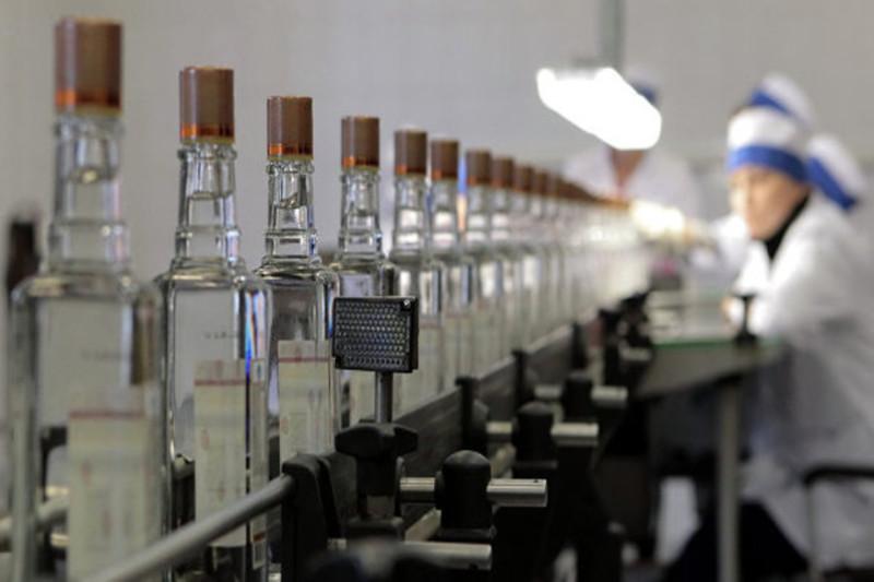 У приватного підприємця було виявлено та вилучено понад дві тисячі літрів алкогольних напоїв