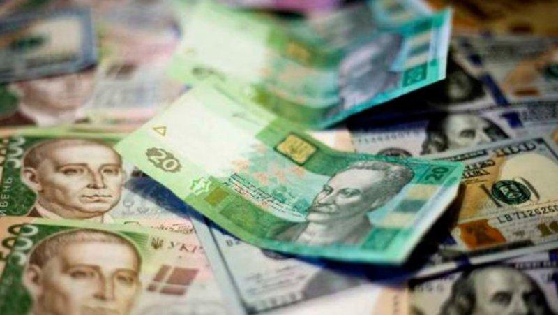 Найбільше фінансові махінації службові особи здійснюють у сфері експортно-імпортних операцій.