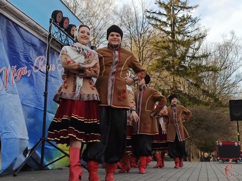 Наразі у Хмельницькому культурно-масові заходи скасовуватися не будуть