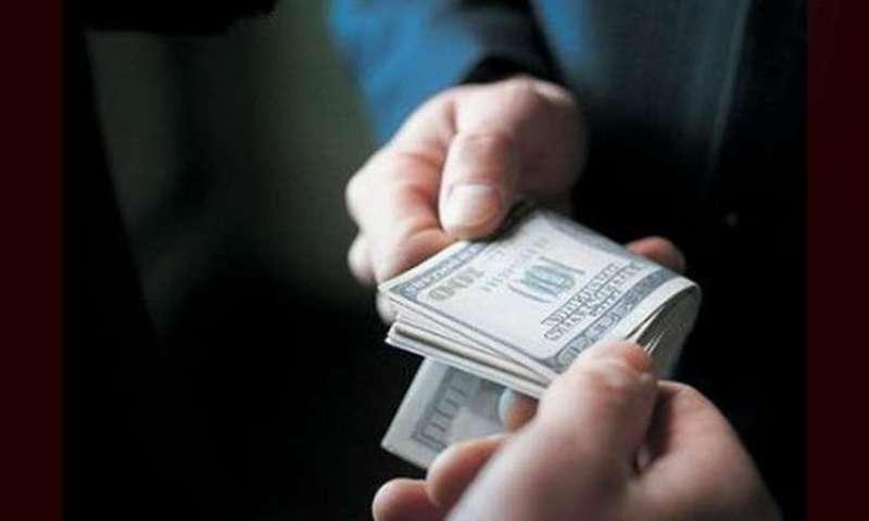 Військовослужбовець взяв у призовника 700 доларів