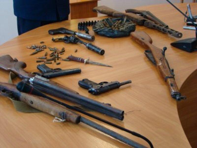 Протягом жовтня хмельничани можуть добровільно здати зброю