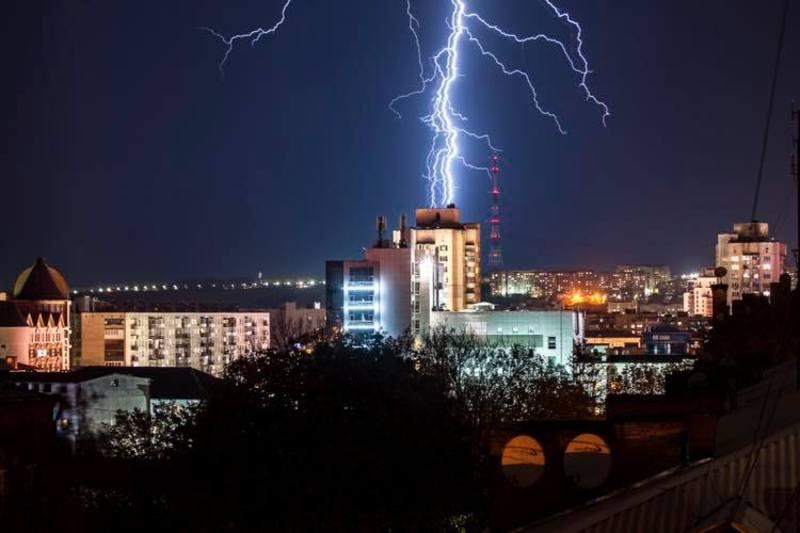 Розряди блискавки в Хмельницькому були не лише 29 квітня, а й 26 квітня