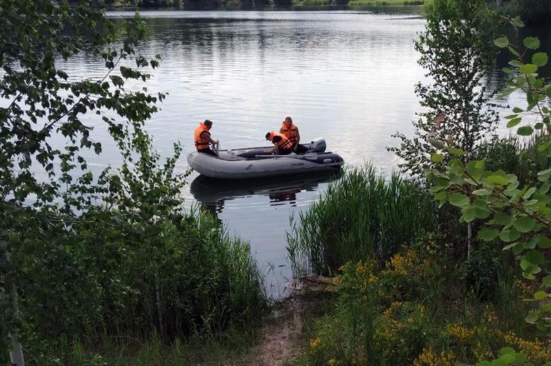 Рятувальники в пошуках юнака обстежили дно озера та берегову лінію