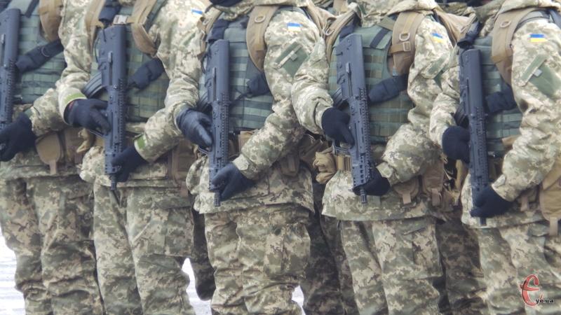 Військові отримали посвідчення учасника бойових дій