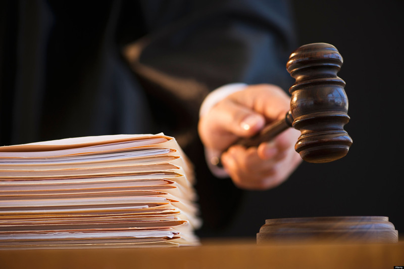 На Хмельниччині судитимуть організатора та члена злочинного угрупування, що займалось виготовленням та реалізацією фальсифікованого алкоголю