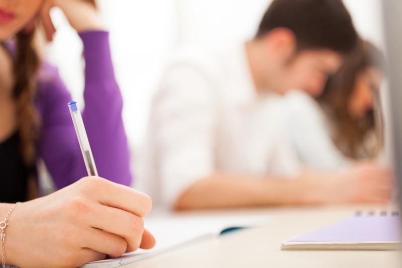 Станом на 12 жовтня, 136 груп у вишах та професійно-технічних навчальних закладах області навчаються дистанційно