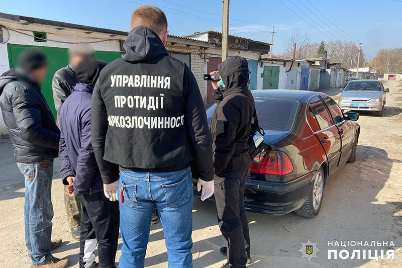 На період досудового розслідування Хмельницький міськрайонний суд взяв зловмисника під цілодобовий домашній арешт