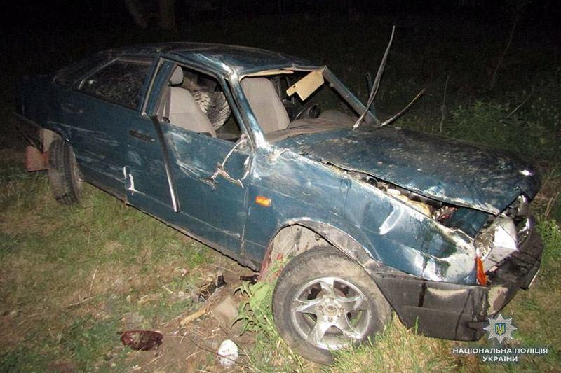 У результаті ДТП травмувалися троє пасажирів автомобіля «ВАЗ-21099», серед яких і одна дитина