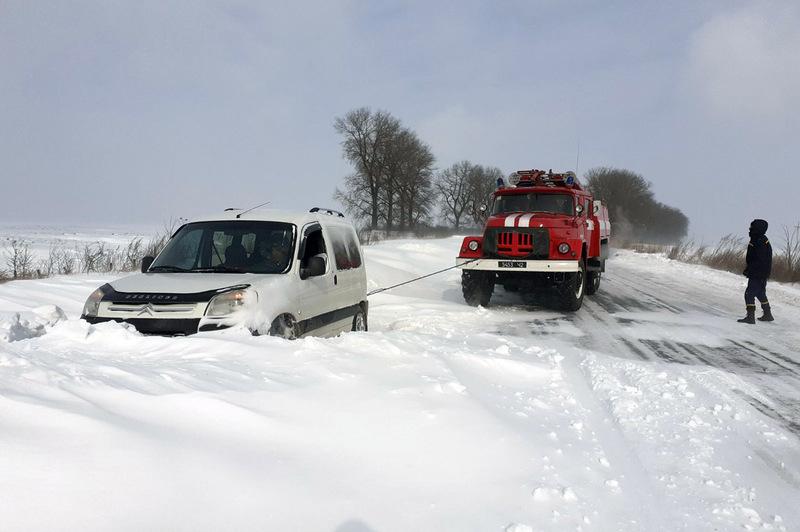 Фактично зі снігових пасток було звільнено 233 людей