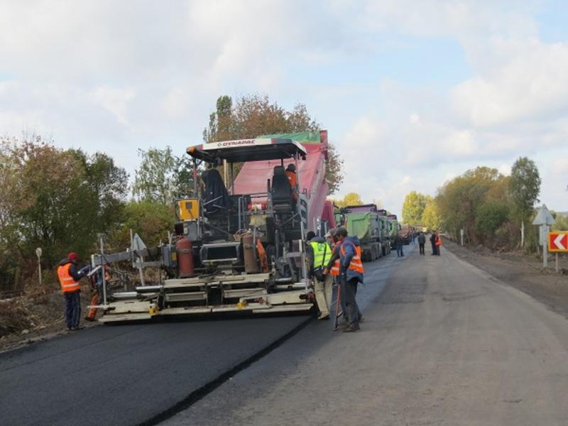 За 11 місяці вобласті відремонтувати 27 кілометрів доріг