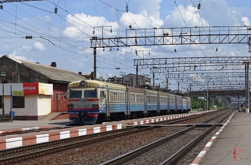 Приміські потяги відновили рух