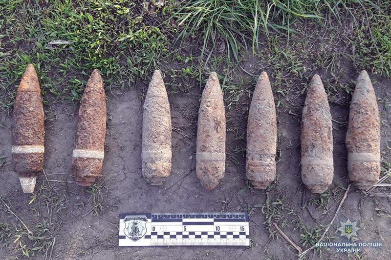 Житель села Довгалівка Білогірського району продавав 7 бойових снарядів часів Другої світової війни