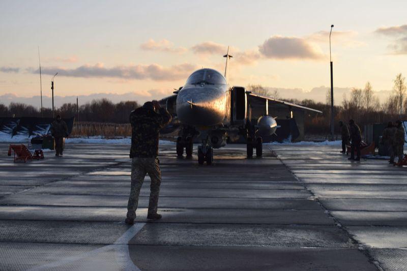 Під час навчань пілоти вилетіли на літаках «СУ-24М», «СУ-24МР» та «Л-39»