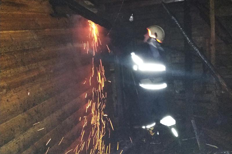 Минулої доби вогнеборці Хмельниччини приборкали дві пожежі