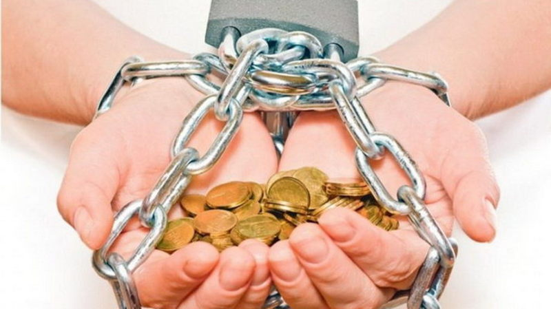 За фінансові правопорушення звільнено з посад семеро хмельничан