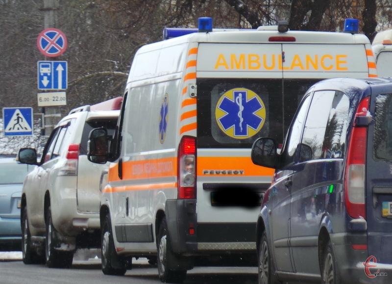 Сорок автомобілів швидкої допомоги поїдутьь у населені пункти області