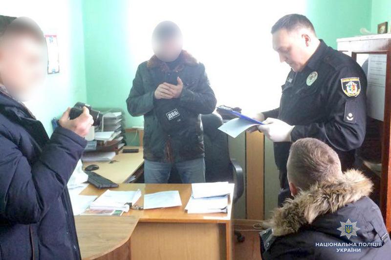 Мешканець Хмельниччини намагався підкупити поліцейського