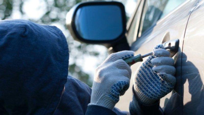 Поліцейські затримали житомирянина, який приїжджав на Хмельниччину вчиняти крадіжки