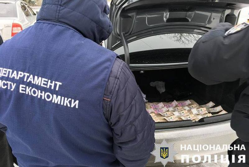 На Хмельниччині затримали підприємця за спробу підкупу начальник відділу Управління захисту економіки