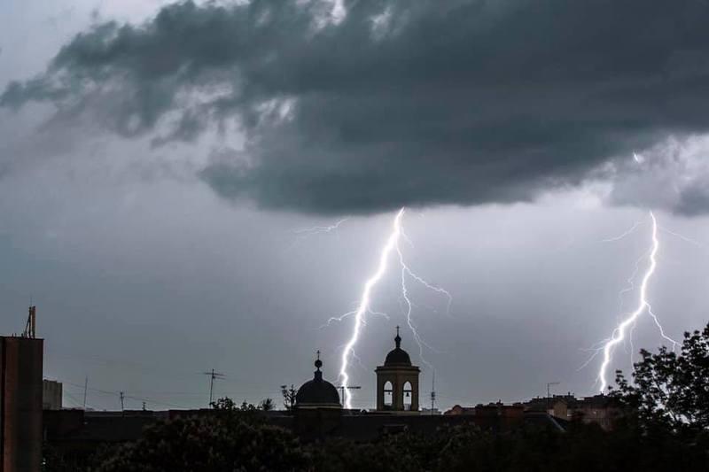 8 серпня на Хмельниччині моєливі не лише грози, а й град