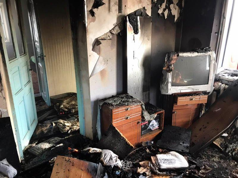Будинок горів через необережне поводження з вогнем