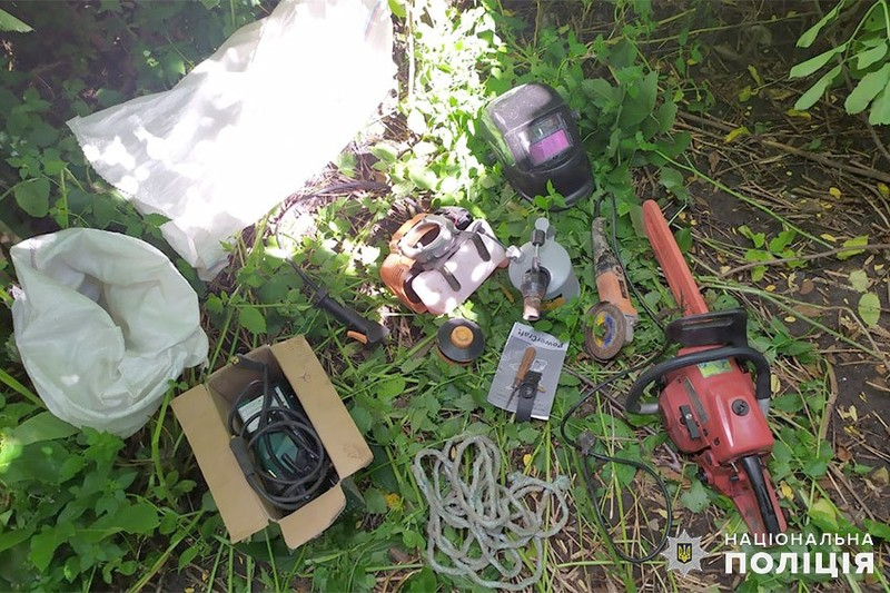 Зловмисник викрав в односельця електроінструменти