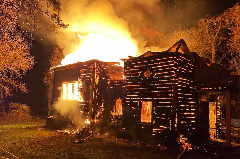 Вчасно ліквідувати пожежу завадило одразку кілька факторів