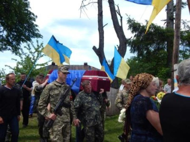 Поховали Віктора Садовця на малій батьківщині, у селі Мовчани