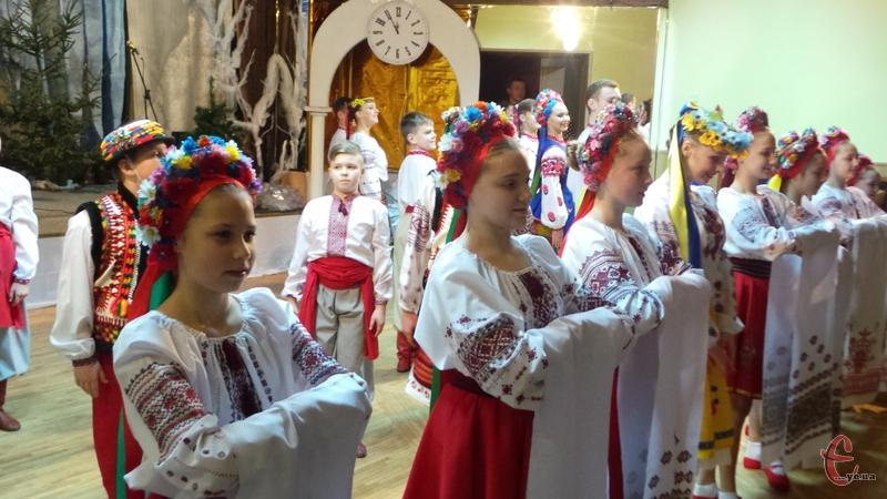Українці радо вітають представників різних національностей