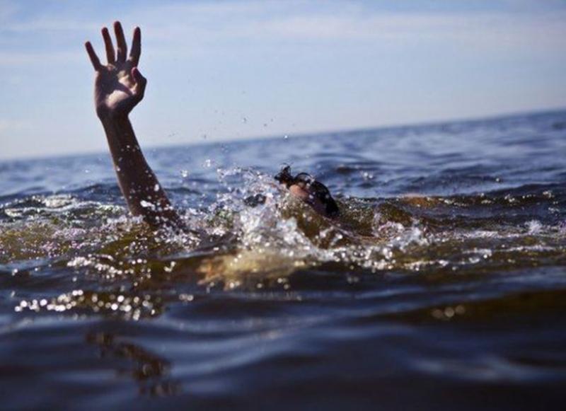 Працівники ДСНС врятували чоловіка на річці Південий Буг