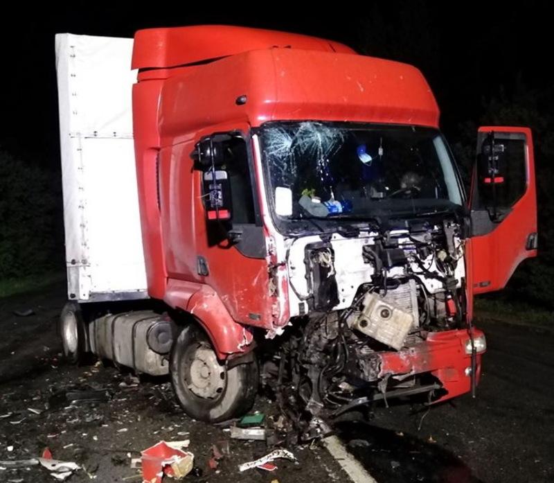 За повідомленням рятувальників ДТП сталася близько 22:00 вечора на трасі Хмельницький – Шепетівка