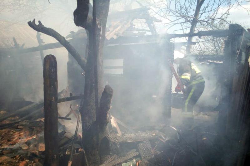 Ймовірною причиною пожежі називають дитячі пустощі з вогнем
