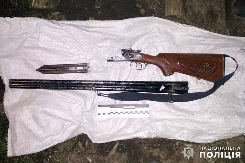 Правоохоронці вилучили зброю, з якої стріляв підозрюваний