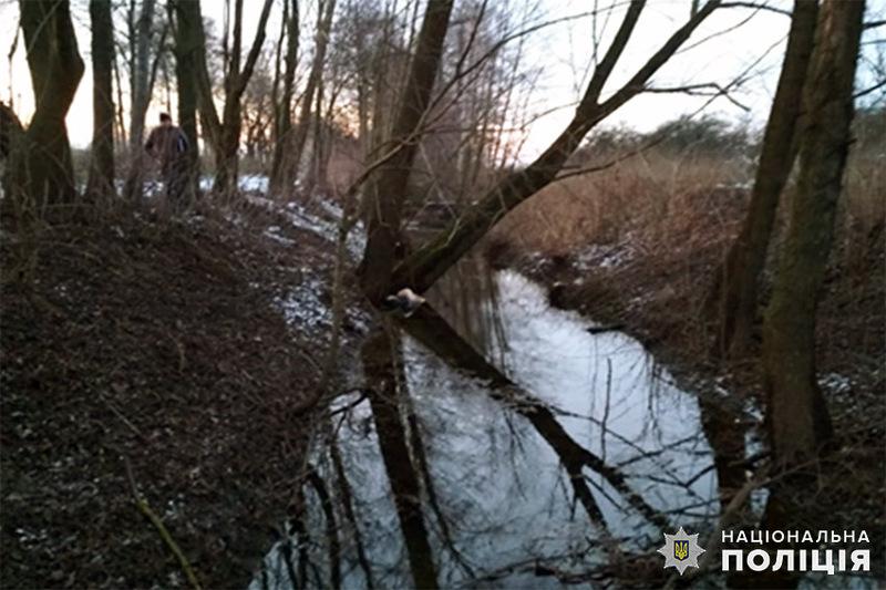 Тіло чоловіка в меліоративній водоймі помітила мешканка села
