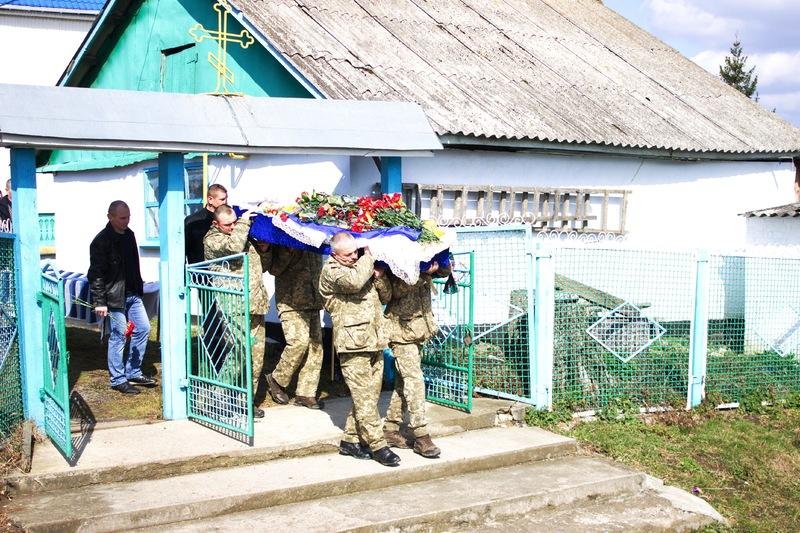 Поховали нашого земляка у селі Іванівці Барського району, що на Вінниччині. Фото: надане Сергієм Семенком