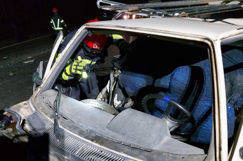 В аварії, що сталася на Ярмолинеччині, щонайменше одна людина зазнала травм