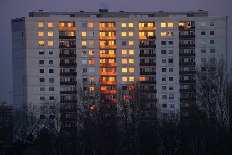 Світло відключать у декількох будинках