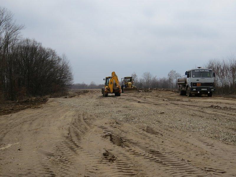 Цього року на будівництво ІІІ черги обходу міста Дунаївці постановою Кабінету міністрів України передбачено кошти у сумі 145, 437 мільйнів гривень