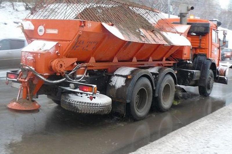 У зв'язку з погіршенням погодних умов Служба звертається до водіїв з проханням бути уважними та обережними на дорозі