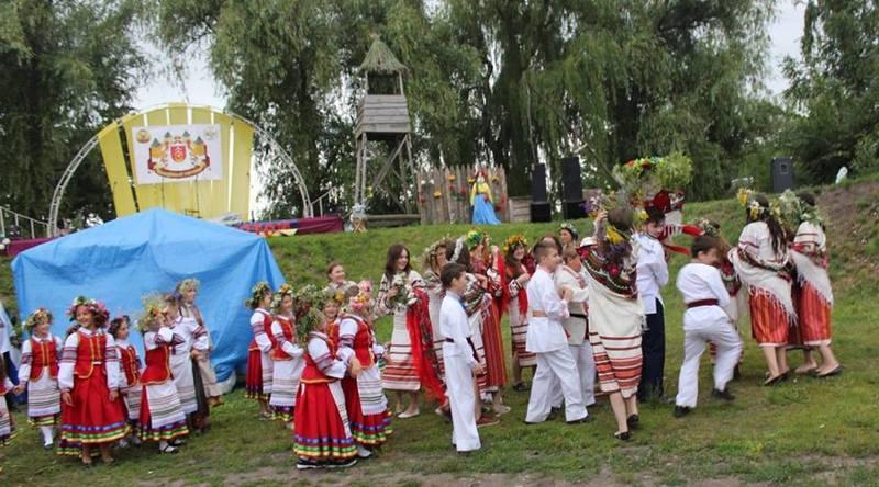 на фестиваль до міста завітають понад двадцять етногуртів та ансамблів з різних куточків України