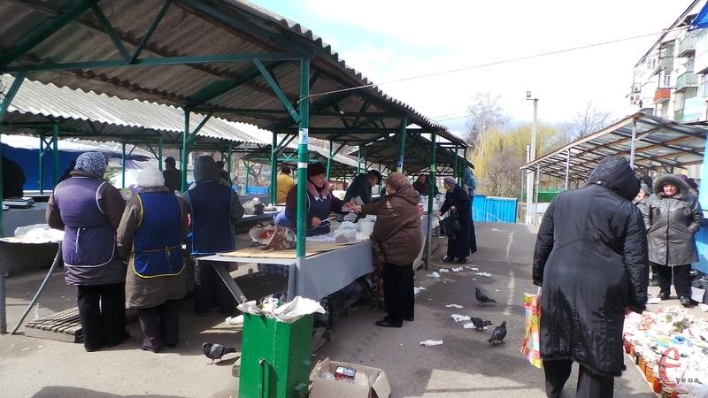 На хмельницькому ринку посеред білого дня поранили жінку