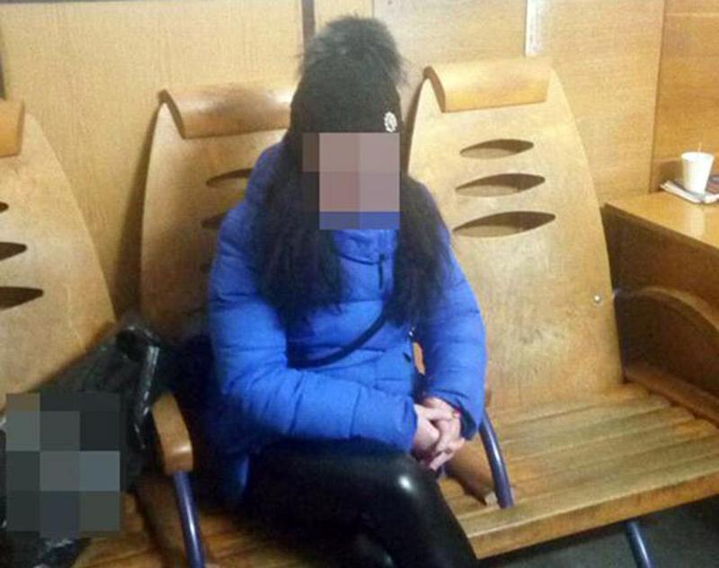 Патрульні виявили громадянку, що перебуває у розшуку