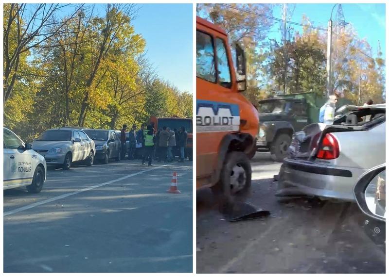 Через аварію на дорозі утворився довгий затор