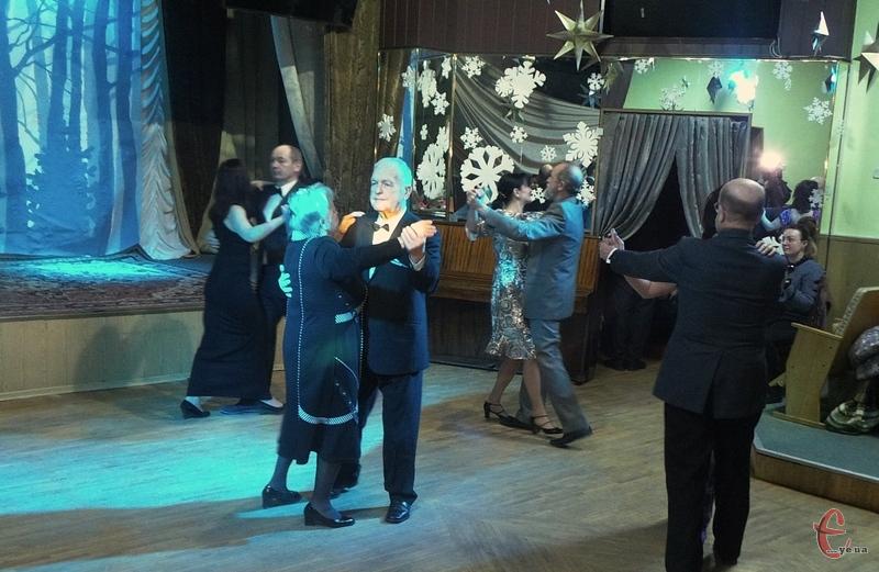 Найстаршому танцівнику свята 83 роки