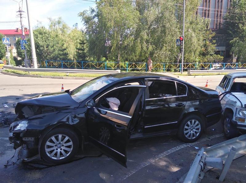 Автопригода сталась на перехресті вулиць Грушевського та Пушкіна