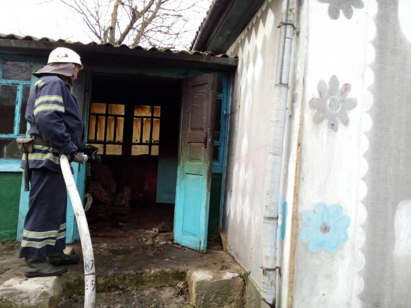 Пожежа сталася у будинку в Полонському районі