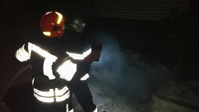 Вогнеборці на пожежі врятували безхатька